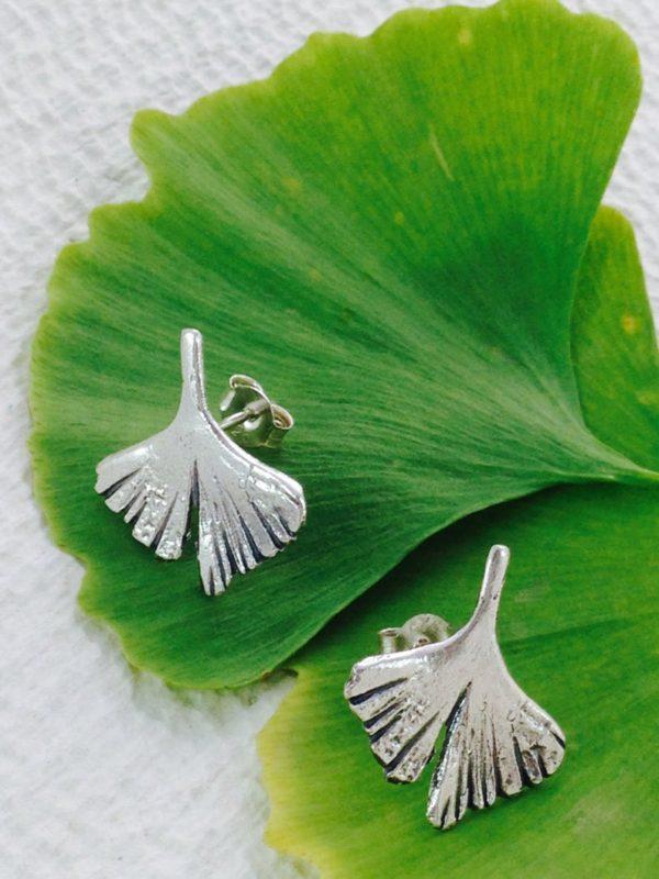 Pendientes de botón en plata de ley gingko hoja elegante naturaleza