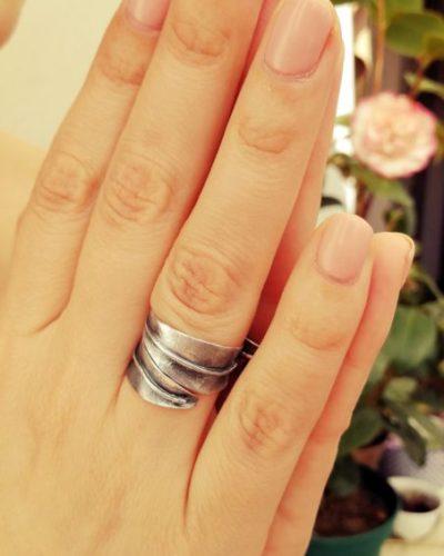 Anillo hoja de olivo, anillo plata oxidado, anillo ancho, plata de plata, regalo de boda, regalo dama de honor, para ella, regalo de mujer. Hecho a mano.